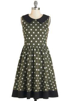Sprinkled Splendor Dress. Craving a little retro-casual flavor? #green #modcloth