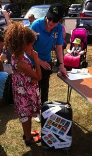 Guess the weight of the luggage fundraiser Pta School, School Fair, Fete Ideas, Summer Fair, Family Fun Day, Carnival Games, Fundraising Ideas, Fundraisers, Great Pictures