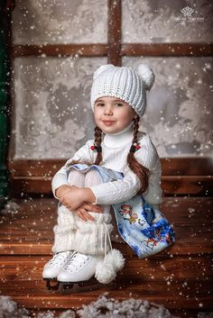 Toddler Photography, Photography Poses, Christmas Paintings On Canvas, Prom Dress Stores, Winter Colors, Professional Photographer, Cute Kids, Little Girls, Cute Animals