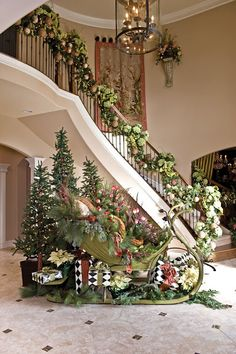 Gorgeous Christmas stairwell