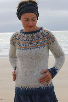 Featuring the Icelandic hammer rose motif, this yoke is named for the dogged protagonist of Halldór Laxness's dry and incisive Independent People on whose arrested potential much of the novel turns Fair Isle Knitting Patterns, Fair Isle Pattern, Norwegian Knitting, Icelandic Sweaters, Pulls, Hand Knitting, Knitwear, Knit Crochet, Sweaters For Women
