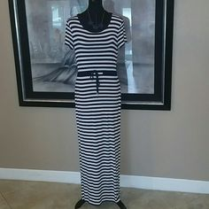 Michael by Michael Kors Medium Maxi Dress Scoop neck, straight pull over short sleeve maxi dress. Navy and white. Size Medium. Excellent used condition. Jersey knit. Drawstring waist. MICHAEL Michael Kors Dresses Maxi
