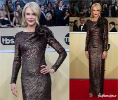 Fashionismo  - Página 3 de 2548 - News, Moda, Beleza, Decor, Lifestyle Nicole Kidman Style, Sag Awards, Red Carpet Fashion, Ideias Fashion, Dresses With Sleeves, Formal Dresses, Celebrities, Long Sleeve, Red Rugs