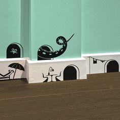 Articolo: MOP20Dettagli piccolissimi (come i mobili per i topolini!) che portano una nota divertente e ironica in qualsiasi stanza della casa.