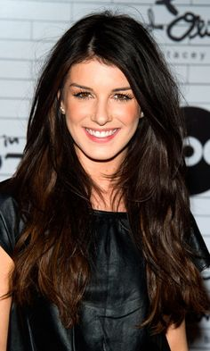 Gorgeous... natural looking layers on Shenae Grimes!