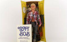 Já viu o boneco Bob gay? Tira ele do armário e olha o que tem dentro da calça!