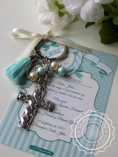 Baptism and First Communion favors - Favor card with religious keychain First Communion Favors, Communion Gifts, Baptism Favors, Baptism Party, First Holy Communion, Beaded Crafts, Card Sizes, Bead Art, Christening
