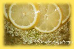 Kreatív Anyabanya: Bodza szörp egyszerűbben- Elder sirup Elderflower, Summer Recipes, Preserves, Lime, Fruit, Cooking, Summer Food, Blog, Pickles