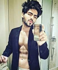 smart boys indian with beard Handsome Boy Photo, Handsome Boys, Top Hairstyles For Men, Little Boy Haircuts, Teen Celebrities, Boys Dpz, Selfie Poses, Stylish Boys, Hair And Beard Styles