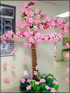 No te pierdas la espectacular colección de 20 decoraciones de flores con globos sorprendentes. Los adornos son realmente originales esculturas echas a mano