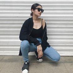 Kính Celine giá mua hơn 9,5 triệu còn 4,5 triệu (mới 80%) Kính mang chắc chắn, dễ mặc & tốt nè Mac, Bomber Jacket, Jackets, Fashion, Down Jackets, Moda, Fashion Styles, Bomber Jackets, Jacket