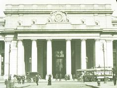 This photo was taken in 1910 right after the station opened its doors to the public. The granite on the outside was a clean white much like the New York Public is today after the refurbishing of its facade. Over the course of 50 years, the granite exterior would turn almost completely black because of soot and vehicular exhaust. via Library of Congress American Memory Collection