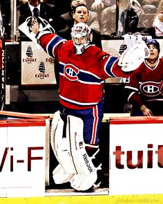 Carey Price, Montreal Canadiens Here I am my people no need to stand. Goalie Pads, Goalie Gear, Hockey Goalie, Hockey Teams, Hockey Players, Ice Hockey, Montreal Canadiens, Hockey Boards, Hockey Season