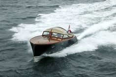 Classic Wooden Boats, Wooden Boat Plans, Wood Boats, Kayaks, Power Boats, Fishing Boats, Trains, Woodworking, Construction