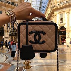 FxF #Chanel #fashion #style #ootd #slay #stylish #fashionista #slayer #ootn #fleek #cool #heels #fly #outfit #fashionkilla #stylish #vogue #couture #highlife #highfashion #luxury #designer #lux #trends #dope #flyest #fashionblog