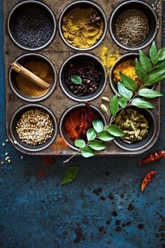 Curry spices ready in a muffin pan Food Photography Styling, Food Styling, Tandoori Masala, Spices And Herbs, Food Presentation, Food Design, Ayurveda, Food Pictures, Indian Food Recipes