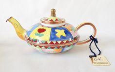 Charlotte di Vita Magic Carpet miniature teapot