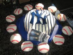 NY Yankees birthday cake and baseball cupcakes 2010