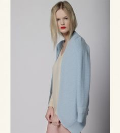 MUSE - Luxuriously soft cashmere sweater made from 100% Italian #cashmere & dyed with natural products - wear this wardrobe essential with your favorite jeans for a relaxed look: 182€  http://www.muriee.com/women/cashmere/muse-cream.html#