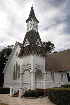 Brunswick GA Glynn County First Presbyterian Church Carpenter Gothic Architecture Pictures Photo Copyright Brian Brown Vanishing South Georgia USA 2011