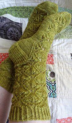Knitting Wool, Knitting Socks, Knitting Designs, Knitting Patterns, Yellow Socks, Little Cotton Rabbits, Knitting Magazine, Patterned Socks, Wool Socks