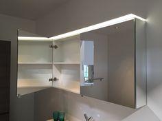 Trendy - draaideur spiegelkast 12 of 16 cm diep - breedte 60 tot 140 cm (per 30 cm) - dubbelzijdige spiegeldeuren - plexi gevoed door LED verlichting - zijdelings gespiegeld - bij www.desco.be
