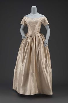 1840, America - Dress - Figured silk tafetta, baleen, cotton plain weave lining, metal hook and eye closures, cotton cord