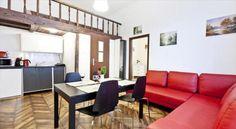 Oferujemy Państwu na sprzedaż mieszkanie 2 pokojowe   antresola o powierzchni 40 m2 ( antresola nie wliczona w metraż mieszkania). Nieruchomość zlokalizowana w dzielnicy Stare Miasto przy ul. Bonerowskiej. Lokal usytuowany na wysokim parterze 4 piętrowej kamienicy z 1905 roku wybudowanej z cegły. Budynek oraz klatka schodowa w stanie bardzo dobrym po niedawno przeprowadzonej całkowitej modernizacji budynku.Mieszkanie składa się z: salonu połączonego z aneksem kuchenny w którym również… Divider, Furniture, Home Decor, Decoration Home, Room Decor, Home Furnishings, Home Interior Design, Room Screen, Home Decoration