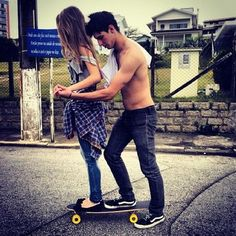 I can't wait until this summer to do this with my bf, he's my life and he loves skating, I just can't wait to be apart of that in his life. ✌️
