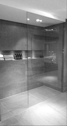 Modern Bathroom Ideas With Minimalist Decor 28 Inspirational Walk in Shower Tile Ideas for a Joyful Showering – Eyasam home Decoration concept Modern Bathroom Design, Bathroom Layout, Bathroom Interior Design, Bathroom Storage, Bathroom Ideas, Bathroom Organization, Bathroom Inspiration, Bathroom Designs, Shower Ideas