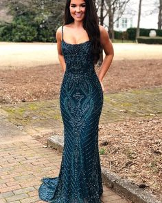 African Prom Dresses, Hoco Dresses, Dresses Short, Prom Outfits, Ball Dresses, Homecoming Dresses, Long Fitted Prom Dresses, Ring Dance Dresses, Form Fitting Prom Dresses