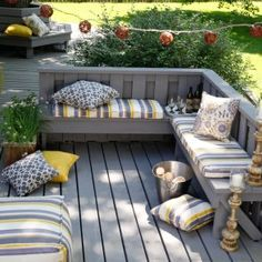 Nice deck with built in seating.