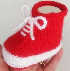 Baby Booties Knitting Pattern, Knitted Booties, Baby Knitting Patterns, Baby Sandals, Baby Shoes, Bold Lipstick, Concealer For Dark Circles, Moda Emo, Backless Maxi Dresses