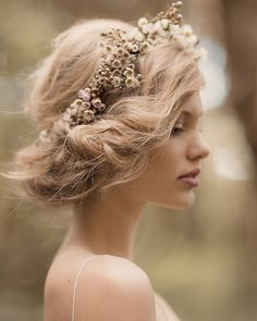 beautiful hair with simple, romantic floral crown