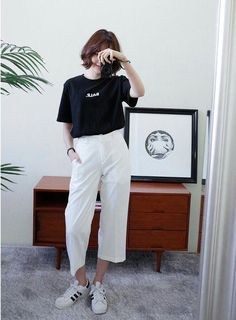 Korean Fashion Trends you can Steal – Designer Fashion Tips Korean Girl Fashion, Korean Fashion Trends, Korean Street Fashion, Ulzzang Fashion, Korea Fashion, Asian Fashion, Look Fashion, Trendy Fashion, Fashion Design