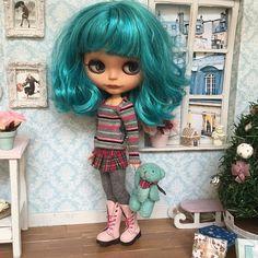 Aurora custom blythe doll by FABBLED