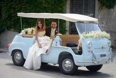 Matrimoni in Campania. Auto particolari per gli sposi. Fiat 600 Multipla Jolly Ghia.