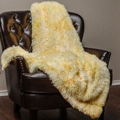 Chanasya Super Soft Shaggy Faux Fur Print Throw Blanket Color: Yellow