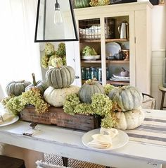 43 Inspirations How To Decorate Farmhouse Fall Table for Home - Possible Decor Decoration Inspiration, Decoration Design, Decoration Table, Decor Ideas, Centerpiece Ideas, Kitchen Centerpiece, Fall Table Centerpieces, Room Ideas, Diy Inspiration