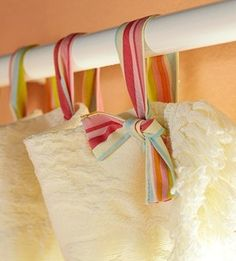 "DIY ~ Ribbon Curtain ""Hooks"" would be cute with lace curtains Home Hacks, Diy Hacks, Ribbon Curtain, Curtain Ties, Curtain Hangers, Curtain Holder, Diy Design, Interior Design, Design Ideas"