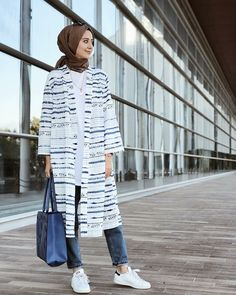 #hijab #style #fashion #outfit Modesty Fashion, Muslim Fashion, Hijab Fashion, Fashion Outfits, Style Fashion, Long Skirt Fashion, Outfit Look, Casual Hijab Outfit, Prom Dresses