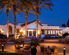 From San Diego's farms to restaurant BlueFire Grill's tables, enjoy upscale-casual eats at Omni La Costa's signature restaurant.