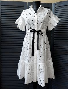 Vintage Dresses in Cute & Unique Styles African Wear Dresses, Latest African Fashion Dresses, Classy Outfits, Chic Outfits, Fashion Outfits, Emo Outfits, Punk Fashion, Lolita Fashion, Simple Dresses