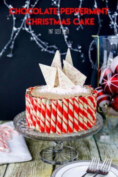 An easy Chocolate Cake recipe that is full of peppermint flavor. This Chocolate Peppermint Christmas Cake is perfect to serve to your family and guests. Chocolate Peppermint Cake, Chocolate Cake Recipe Easy, Chocolate Sweets, Best Chocolate, Chocolate Recipes, Chocolate Lovers, Candy Cane Ice Cream Recipe, Ice Cream Recipes, Best Dessert Recipes
