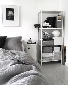 Ikea 'Hyllis' metallic shelf in bedroom by @49kvadrat