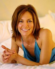Someone once told me I look like Diane Lane. It was a HUGE compliment. Beautiful Celebrities, Most Beautiful Women, Beautiful Actresses, Diane Lane Actress, Aubrey Plaza, Halle Berry, Belle Photo, Pretty Hairstyles, Her Hair