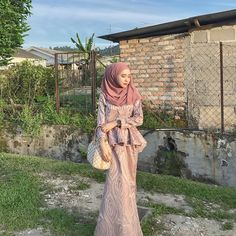 The Journey of The Beautiful Hijab Girl Muslim Gown, Muslim Wedding Gown, Kebaya Muslim, Hijab Prom Dress, Hijab Evening Dress, Prom Party Dresses, Arab Girls Hijab, Girl Hijab, Kebaya Modern Hijab