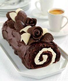 İster çikolatalı ister sade kek ile yapabileceğiniz bir tarif!
