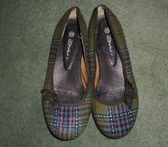 Women's Green & Black DOLCIS Slip On Plaid Ballet Flats Shoes, Size 8.5, GUC! #DOLCIS #SlipOnPlaidBalletFlatsShoes