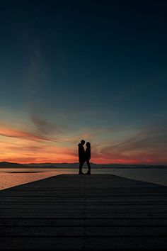 Sunset and romance Photo Couple, Love Couple, Couple Goals, Cute Relationship Goals, Cute Relationships, Cute Couple Pictures, Couple Photos, Couple Tumblr, Cute Couples Goals